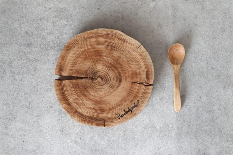 焼きヒノキの丸太ボード 9